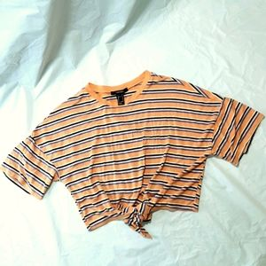 FOREVER 21 TIE FRONT CROPPED TEE SIZE SMALL